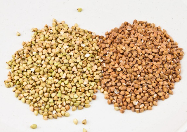 Buckwheat raw and roasted