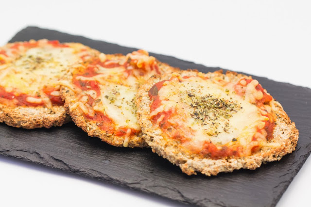 Cauliflower Buckwheat Crust from hovkonditorn.blogspot.se
