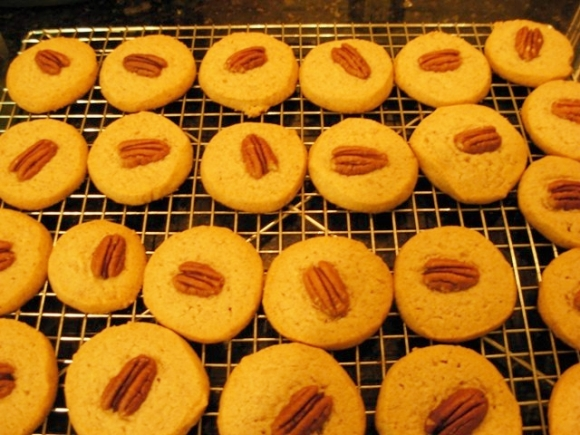 Buckwheat Pecan Sandies